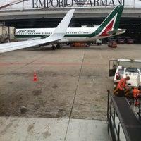 Das Foto wurde bei Flughafen Mailand Enrico Forlanini (LIN) von Arjan O. am 9/27/2013 aufgenommen