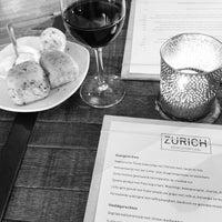 Foto tirada no(a) Zurich por Mitch K. em 6/29/2013