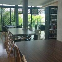 9/21/2014 tarihinde Sim W.ziyaretçi tarafından Ban Chirayu-Poonsapaya Discovery Learning Library'de çekilen fotoğraf
