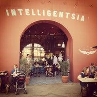 Foto tirada no(a) Intelligentsia Coffee & Tea por Jacob G. em 2/16/2013