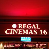 Foto tirada no(a) Regal Cinemas Red Rock 16 & IMAX por OJ D. em 12/3/2012