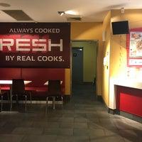 Foto tomada en KFC Ermington por Bee R. el 8/10/2018