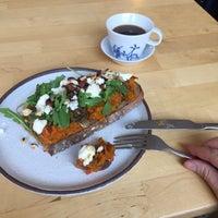 Foto scattata a Mikyna Coffee & Food Point da Mary B. il 10/22/2018