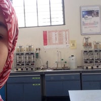 Photo prise au Food Analysis Lab par Najwa Y. le11/17/2015
