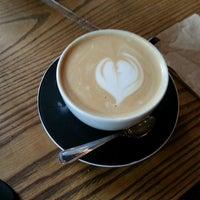 Foto scattata a Manhattanville Coffee da Gregory E. il 10/1/2014