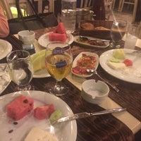 5/13/2016 tarihinde Şeyda K.ziyaretçi tarafından Çakırkeyff Restaurant'de çekilen fotoğraf