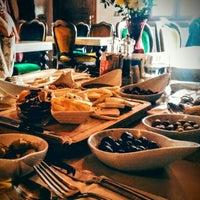 Foto diambil di Pano Restaurant ve Kahve Evi oleh Türkan K. pada 12/6/2015