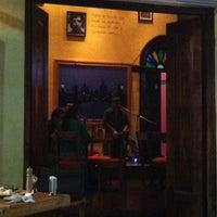Foto tomada en 500 Noches Cafe-bar por Seonghee L. el 5/13/2013