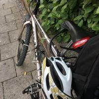 Das Foto wurde bei Holy Burger Rotkreuzplatz von Kerstin am 7/18/2017 aufgenommen