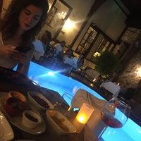 รูปภาพถ่ายที่ Du Bastion Fine Dining Restaurant โดย Mert K. เมื่อ 8/5/2017