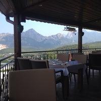 7/12/2015 tarihinde Mehmet T.ziyaretçi tarafından Körfez Aşiyan Restaurant'de çekilen fotoğraf