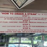 Снимок сделан в Pat's King of Steaks пользователем Dino T. 5/29/2013
