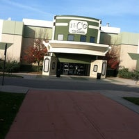 Foto tomada en NCG Eastwood Cinemas por Patti L. el 11/17/2012