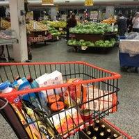 Foto tirada no(a) Sonda Supermercados por Marcus W. em 7/14/2013