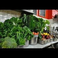 Foto scattata a Integral Yoga Natural Foods da Integral Yoga I. il 3/16/2014