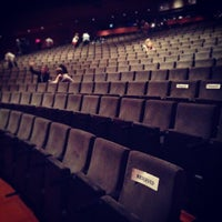 Das Foto wurde bei Alice Tully Hall at Lincoln Center von Sophie M. am 5/3/2013 aufgenommen