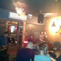 10/7/2013 tarihinde tunga t.ziyaretçi tarafından Bar Chord'de çekilen fotoğraf