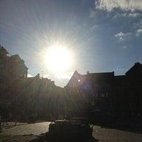 Photo prise au Place du Vieux Marché par Xav Z. le8/10/2013