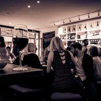 Photo prise au Ten Green Bottles par Ten Green Bottles le6/30/2014