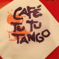Foto tomada en Café Tu Tu Tango por Barry D. el 1/18/2013