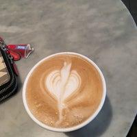 Foto tomada en Isabella's Chocolate Cafe por Oana E. el 11/3/2016
