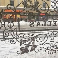 Foto tomada en Isabella's Chocolate Cafe por Oana E. el 12/15/2016