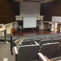 รูปภาพถ่ายที่ Woodward Hall- University Of New Mexico โดย Gabe Z. เมื่อ 11/21/2012