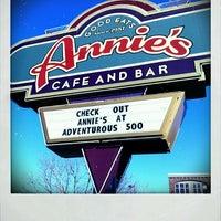 Das Foto wurde bei Annie's Cafe & Bar von BigRyanPark am 2/18/2012 aufgenommen