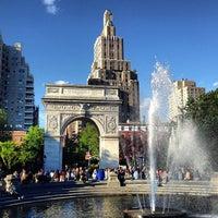 5/26/2013 tarihinde Riccardo R.ziyaretçi tarafından Washington Square Park'de çekilen fotoğraf
