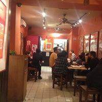 Foto scattata a The Kati Roll Company da Piyush P. il 11/24/2012