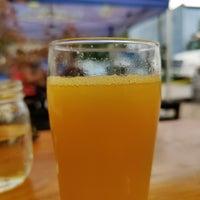 Das Foto wurde bei Bhramari Brewing Company von Paul P. am 8/5/2020 aufgenommen