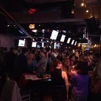 11/22/2013にDave V.がWarehouse Bar & Grillで撮った写真