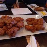 5/4/2013 tarihinde Duoni P.ziyaretçi tarafından BonChon Chicken'de çekilen fotoğraf
