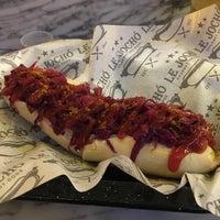 Foto tomada en Le Jocho Gourmet Hot Dogs por Jorge V. el 1/13/2018