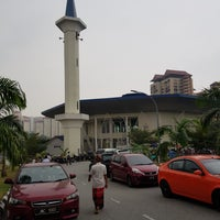 Masjid Zaid Ibn Thabit Mosque In Tun Razak