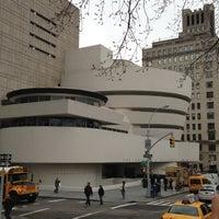 Foto tomada en Solomon R Guggenheim Museum por Nel M A. el 4/11/2013