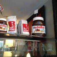 Снимок сделан в La Stazione Coffee & Wine Bar пользователем Jen C. 3/17/2012
