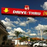 Foto tomada en McDonald's por Daniel D. el 5/30/2012