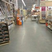 Das Foto wurde bei The Home Depot von Norm N. am 8/8/2012 aufgenommen