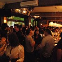 รูปภาพถ่ายที่ Salón Pata Negra โดย Leopold A. เมื่อ 4/21/2012