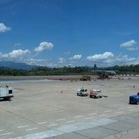 Foto tomada en Aeropuerto Internacional Palonegro (BGA) por jose luis m. el 7/25/2012