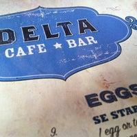 Foto tomada en Delta Cafe por Jeremy S. el 3/31/2012