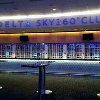 Foto tirada no(a) Delta Sky360 at Madison Square Garden por Christine R. em 3/5/2012