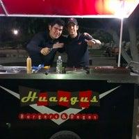 Foto diambil di Huangus Burger oleh Jorge G. pada 6/10/2012