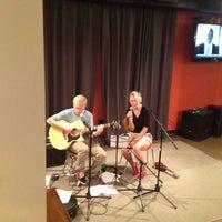 รูปภาพถ่ายที่ LOMA Coffee โดย Mike C. เมื่อ 6/1/2012