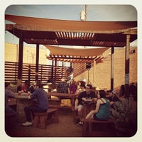 Photo prise au Deep Ellum Brewing Company par Tony E. le8/23/2012