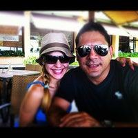 Foto diambil di Las Palmas Cafe @ Copamarina Beach Resort oleh Egy R. pada 4/22/2012