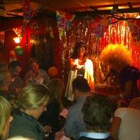 3/17/2012 tarihinde Bas V.ziyaretçi tarafından Bar Le Petit'de çekilen fotoğraf