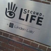 Foto diambil di Linden Lab oleh Merlijn H. pada 6/6/2012