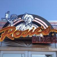Foto tirada no(a) Rosie's Diner por Erica K. em 6/18/2012